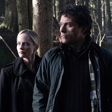 Marley Shelton as Special Agent Rachel Young and Rufus Sewell as Dr. Jacob Hood and in CBS's Eleventh Hour