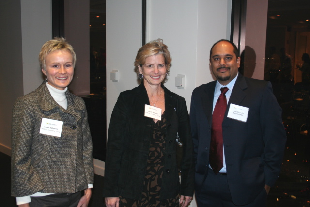 L to R: Linda Hellstrom (Halloran Consulting Group), Laurie Halloran (Halloran Consulting Group), Vijay Chandra (Babson College)