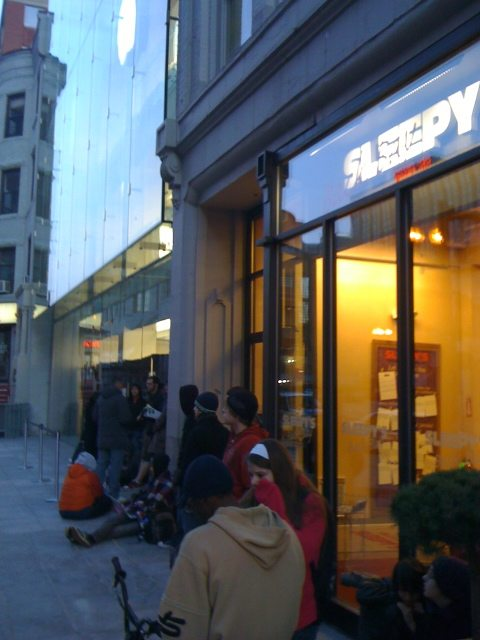 The line at 6:19 a.m.