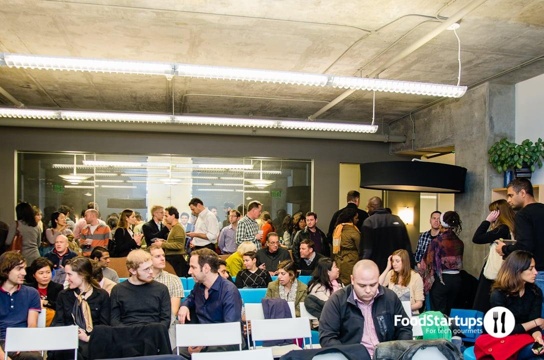 A Crowd of Food Entrepreneurs Gathers, Hungry for Advice