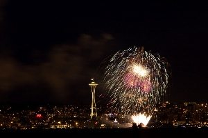 fireworks_over_Seattle_(1)
