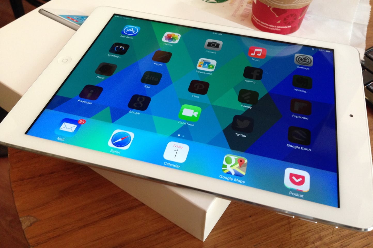 Unboxing the iPad Air