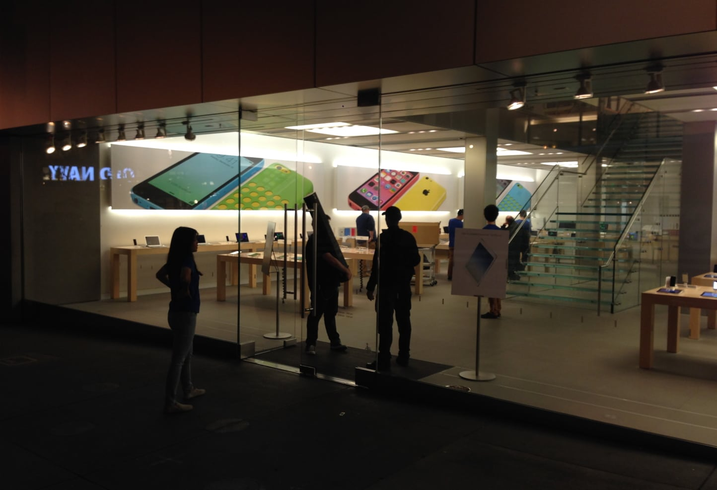 The San Francisco Apple Store at 5:00 am