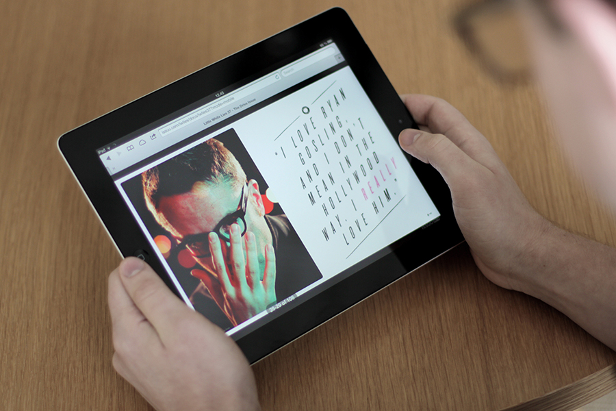 Reading an Issuu magazine on a tablet
