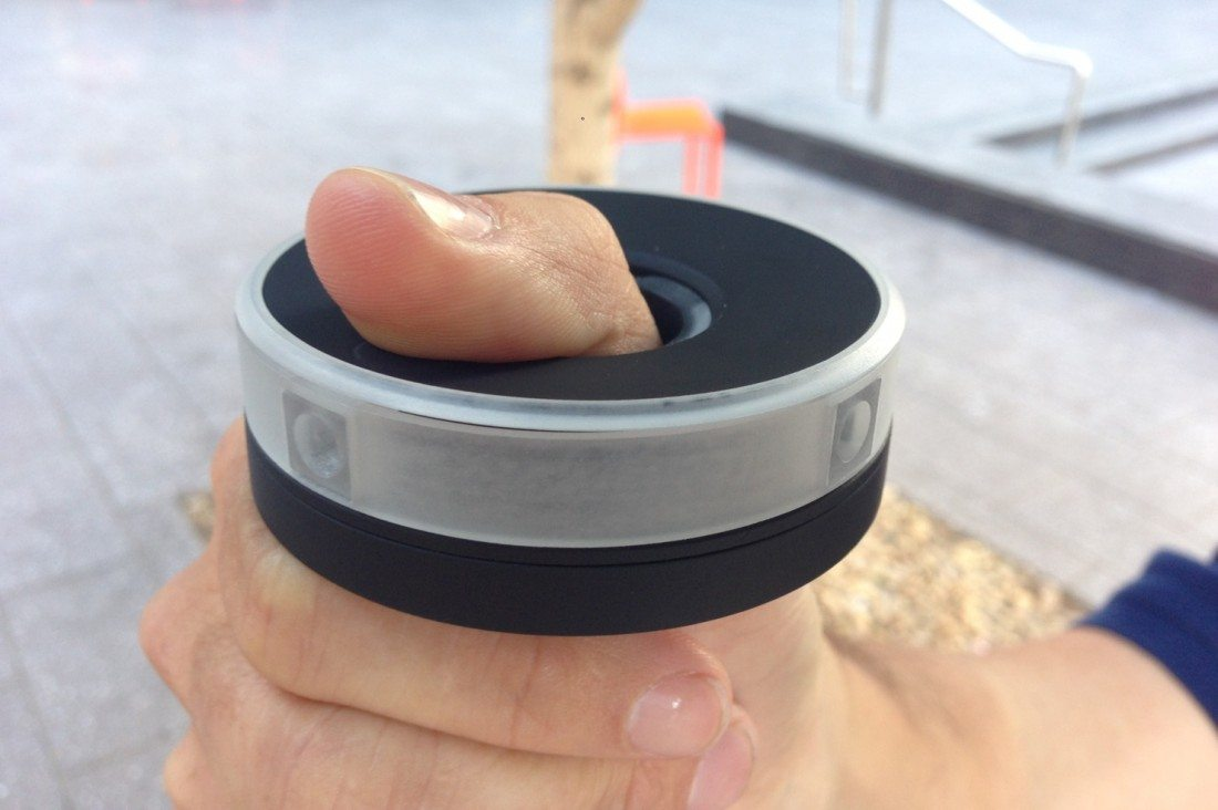 360-Degree Centr Video Camera Gives a Thumb's-Eye View of the World