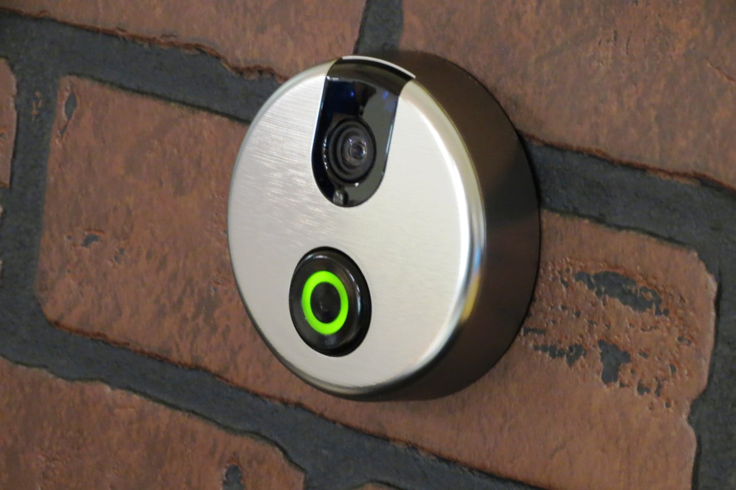 SkyBell Pushing Buttons, Streaming Video