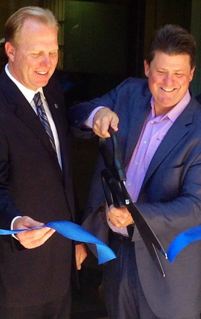iHive Ribbon Cutting with San Diego Mayor Kevin Faulconer (left) and Darin Andersen
