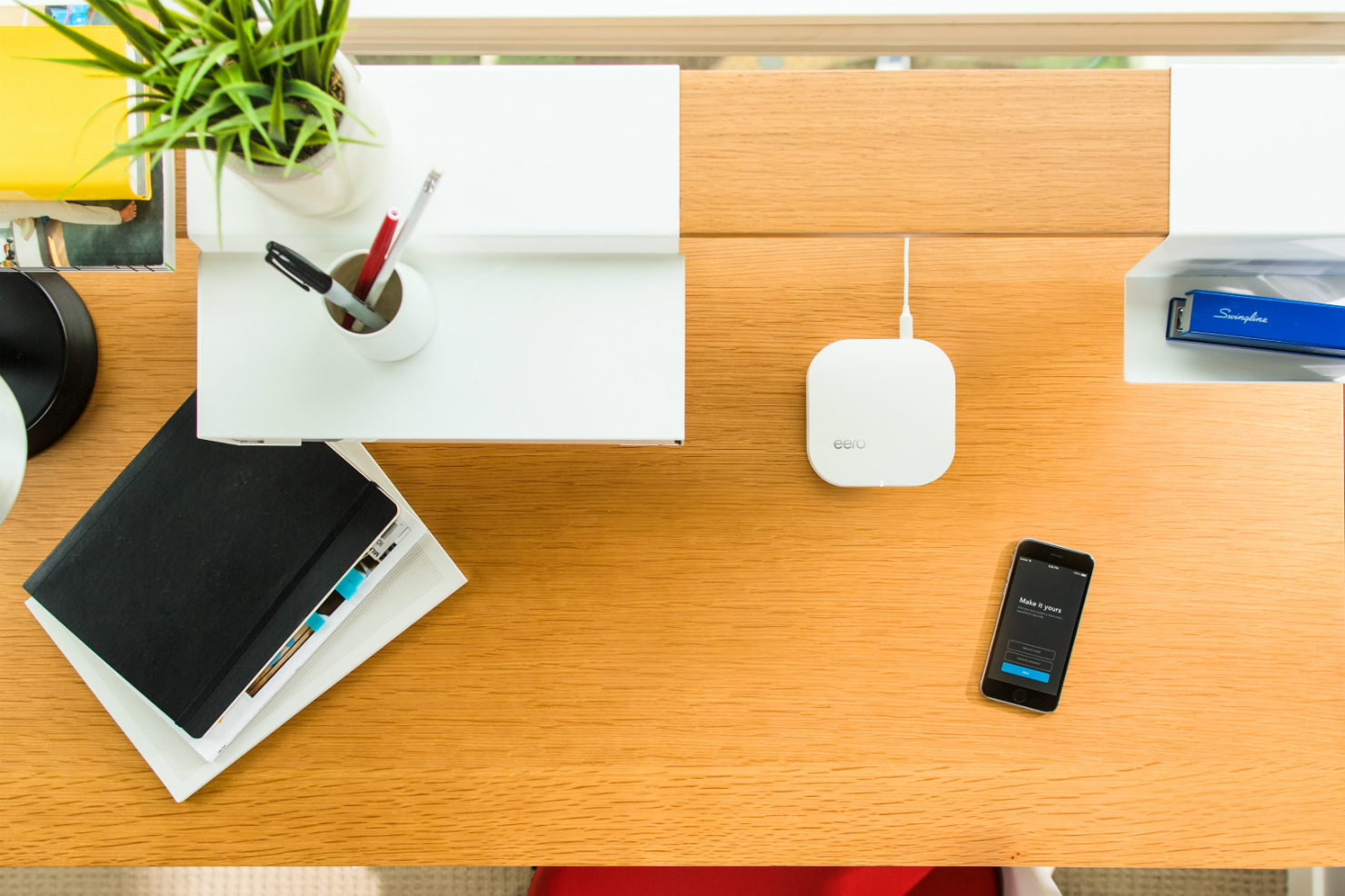 Eero Desk top-down