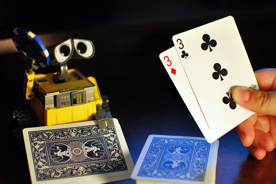 EOW Reading List: Automation, Onshoring, Heart, and AI Texas Hold'em