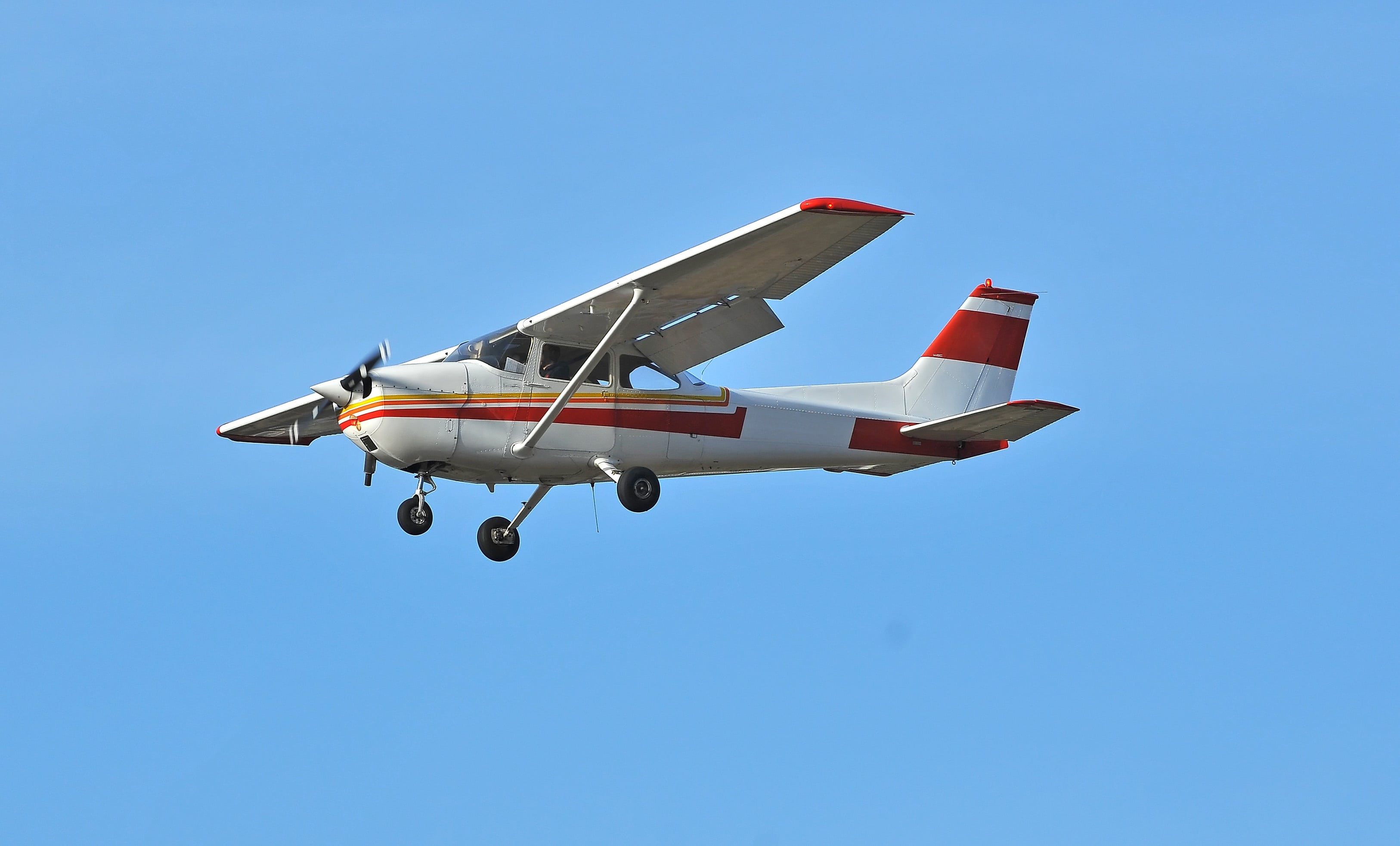 Cessna Skyhawk: Popular light aircraft